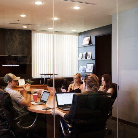 Hygiene und Schutz im Büro mit den richtigen Konzepten und Atemschutzmasken